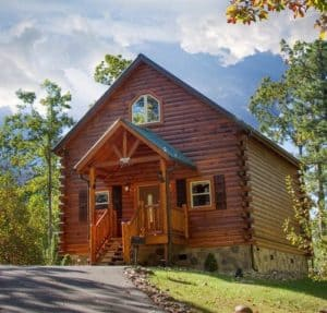 The exteiror of a charming secluded cabin in Gatlinburg.